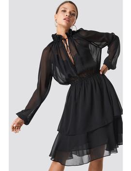 sukienka-z-marszczoną-stójką-czarny by na-kd-boho
