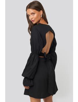 open-back-ls-mini-dress-czarny by na-kd-trend