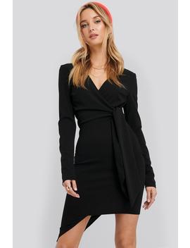 asymmetric-hem-mini-dress-czarny by na-kd