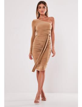 camel-one-shoulder-slinky-bodycon-ruched-midi-dress by missguided