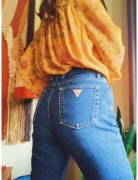 """90s-guess-dark-wash-straight-leg-high-waisted-jeans-with-raw-hem-
