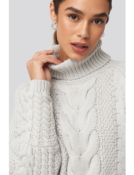high-neck-cable-knitted-ribbed-sleeve-sweater-gris by na-kd-trend