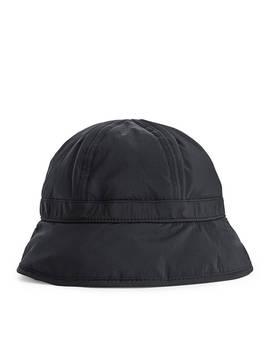 Lightweight Down Hat by Arket