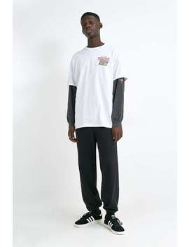 "Urban Renewal Inspired By Vintage –  T Shirt ""Dracula"" by Urban Renewal Shoppen"