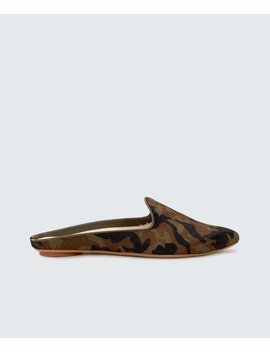 Grant Flats In Camogrant Flats In Camo by Dolce Vita