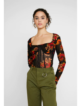 Long Sleeve Corset Seam   Topper Langermet by Missguided