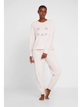 Pyjama by Anna Field