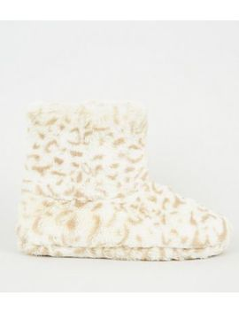 Stone Leopard Print Faux Fur Boot Slippers by New Look