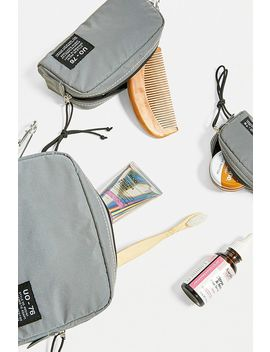 Uo Reflective Pouch 3 Pack by Urban Outfitters