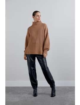 Linksgestrickter Pullover Mit Wolle by Zara