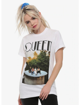 Queen Photo Sitting Girls T Shirt by Hot Topic