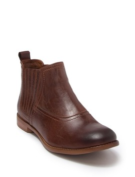 Vie Leather Chelsea Boot by Roan