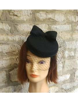 Black Pillbox Hat With Veil Black Wool Felt Cocktail Hat Bow Birdcage Fascinator Veil Funeral Veil Hat Race Hat Formal Wedding Hat 1940s Hat by Etsy