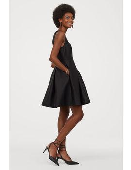 Šaty So Zvonovou Sukňou by H&M