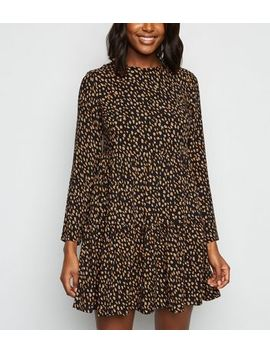 Black Abstract Spot Tiered Hem Smock Dress by New Look