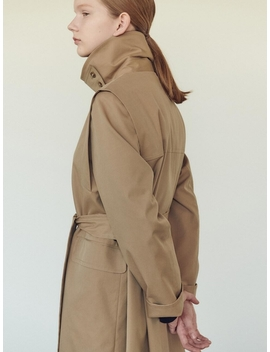 Single Trench Coat Middle by Nilby P