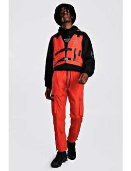 Man Utility Vest & Jogger Set With Strap Detail by Boohoo