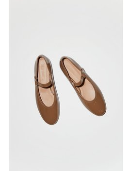 No.6 Beatrix Flat In Cappuccino Patent by No.6