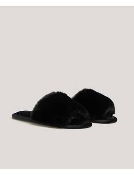 Fluffy Slides by Oysho