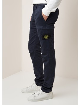 32104 Tapered Fit Cargobroek Met Merkembleem by Stone Island