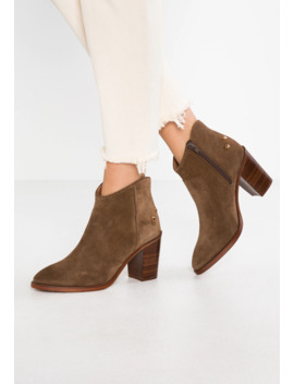 Decapolis   Ankle Boot by Jonak