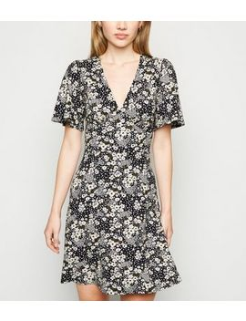 Off White Ditsy Floral Skater Dress by New Look