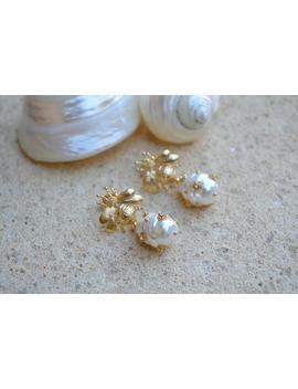 Bee Pearl Earrings /Baroque Pearl Earrings /Embellished Pearl Earrings /Pearl Bee Earring /Wedding Earrings /Bridal Earrings by Etsy