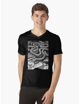 Junji Ito   Head Centipede V Neck T Shirt by Ukawa