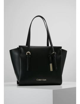 Avant   Shopping Bag by Calvin Klein
