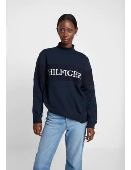 Laureen Mock   Sweatshirt by Tommy Hilfiger
