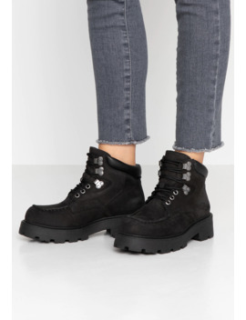 Cosmo   Ankle Boots by Vagabond