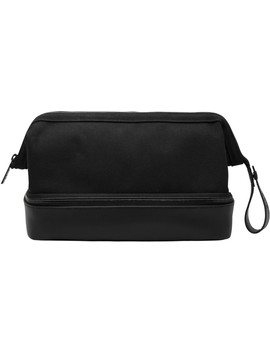 The Dopp Kit In Black by BÉis