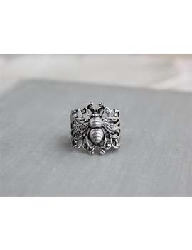 Bee Filigree Ring by Etsy