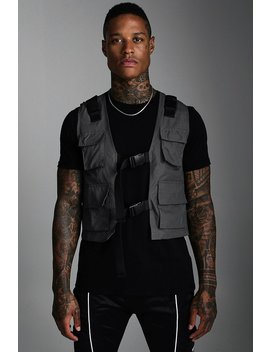 Nylon Utility Vest With Buckles by Boohoo