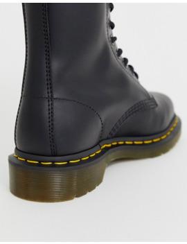 Dr Martens – 1490 – Ankle Boots Aus Leder Mit 10 Ösen by Asos