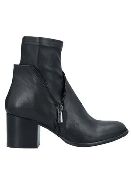 Ankle Boot by Ovye' By Cristina Lucchi