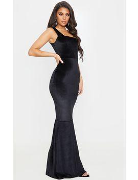 Black Velvet Square Neck Fishtail Maxi Dress by Prettylittlething