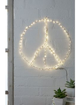 Make Your Own White Fairy Lights by Urban Outfitters