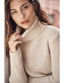 Harlow Chunky Turtleneck Sweater by Dynamite
