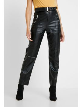 Jordan Lipscombe Pu High Waisted Utility Trouser   Broek by Missguided