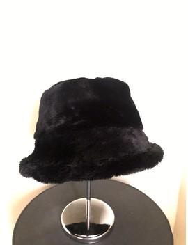 Gorro Negro De Peluche by Adams