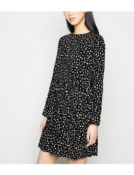 Black Abstract Spot Tiered Smock Dress by New Look