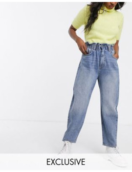 Reclaimed Vintage – Vintageinspirerade 96 Tals Mom Jeans Med Indragen Hög Midja by Reclaimed Vintage Inspired