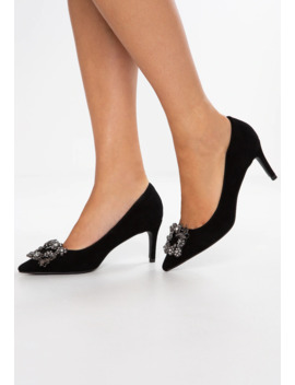Pumps by Alma En Pena