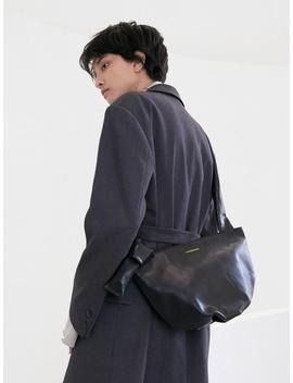 Wrinkle Middle Bag Black by Maison Marais
