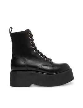 Twister Black Leather by Steve Madden