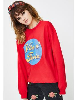 Vibin And Thrivin Graphic Pullover by Daisy Street
