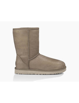 Classic Short Leather Bottes by Ugg