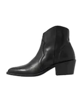 Ankle Boot by Kiomi