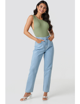 Mid Rise Vintage Fit Jeans Bleu by Na Kd